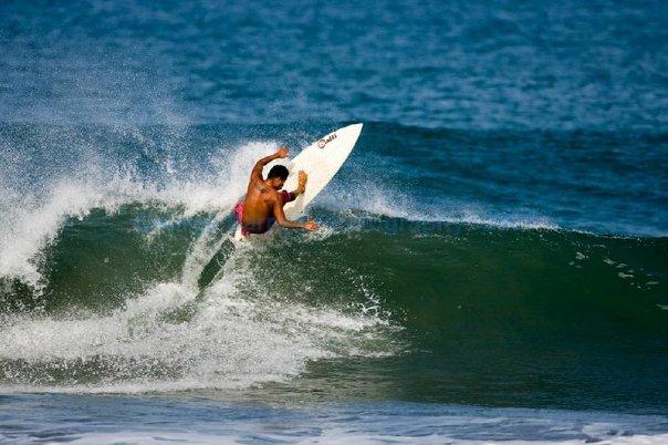 julio surfing zicatela puerto escondido 1